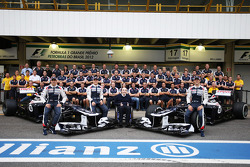 Pastor Maldonado, Williams; Valtteri Bottas, Williams Third Driver; Frank Williams, Williams Team Owner and Bruno Senna, Williams in a team photograph