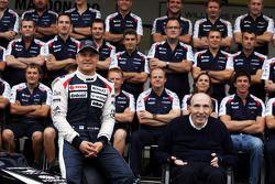 Valtteri Bottas, Williams derde rijder en Frank Williams, Williams teambaas in een teamfoto