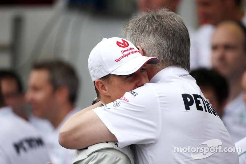 Michael Schumacher, Mercedes GP y Ross Brawn, Mercedes GP, Director técnico