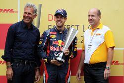 Sebastian Vettel, Red Bull Racing met DHL award voor de snelste ronde