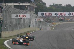 Narain Karthikeyan, HRT Formula One Team HRT voor Sebastian Vettel, Red Bull Racing