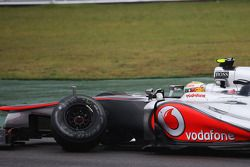 Lewis Hamilton, McLaren abandonne après son accrochage avec Nico Hulkenberg, Sahara Force India F1