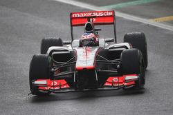 Race winner Jenson Button, McLaren