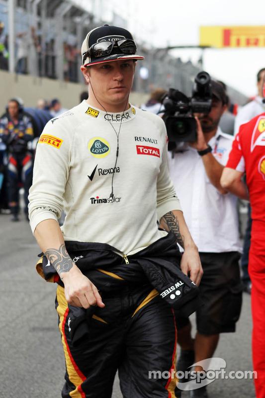 """No começo de 2012, Raikkonen participou do programa Top Gear, na BBC e, questionado se havia mudado a preparação para voltar à F1, minimizou: """"(treinamento) um pouco mais duro que o normal, deve ser OK"""". O entrevistador lhe perguntou se ele havia parado de beber. """"Não"""", respondeu."""