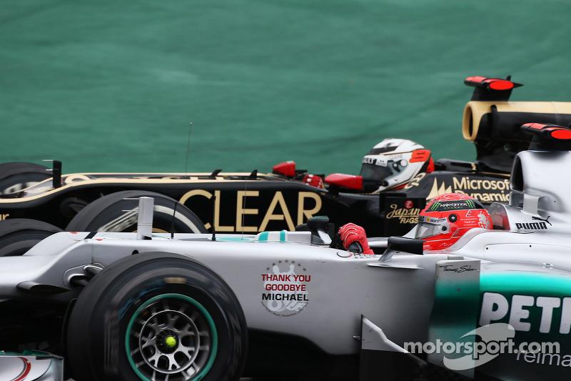 Kimi Raikkonen et Michael Schumacher à la lutte