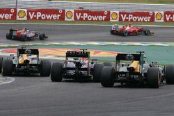 Mark Webber, Red Bull Racing and Vitaly Petrov, Caterham F1 Team