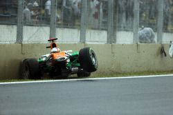 Paul di Resta, Sahara Force India crashes out of the race