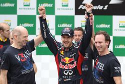 Sebastian Vettel, Red Bull Racing celebrates with the team and Adrian Newey, Red Bull Racing Chief T