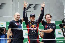 Sebastian Vettel, Red Bull Racing celebrates his World Championship with Adrian Newey, Red Bull Raci
