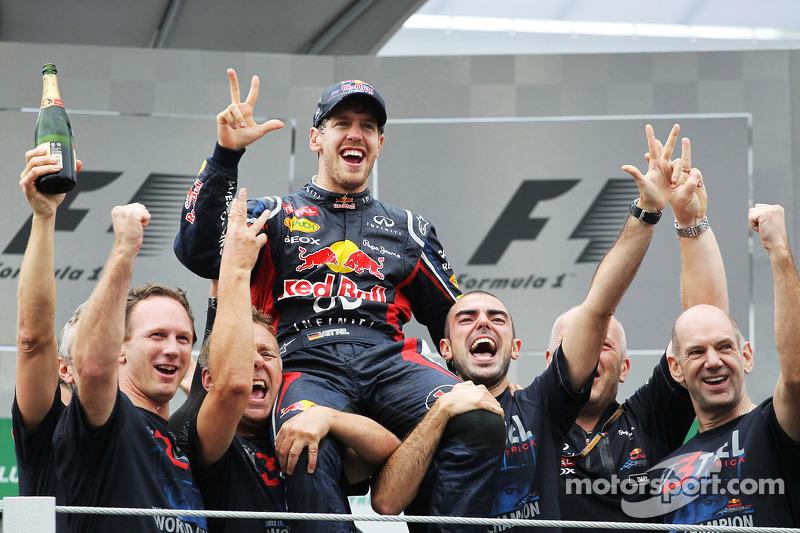 No entanto, com Alonso sendo segundo, ele conseguiu garantir o título por três pontos sendo apenas o sexto colocado.