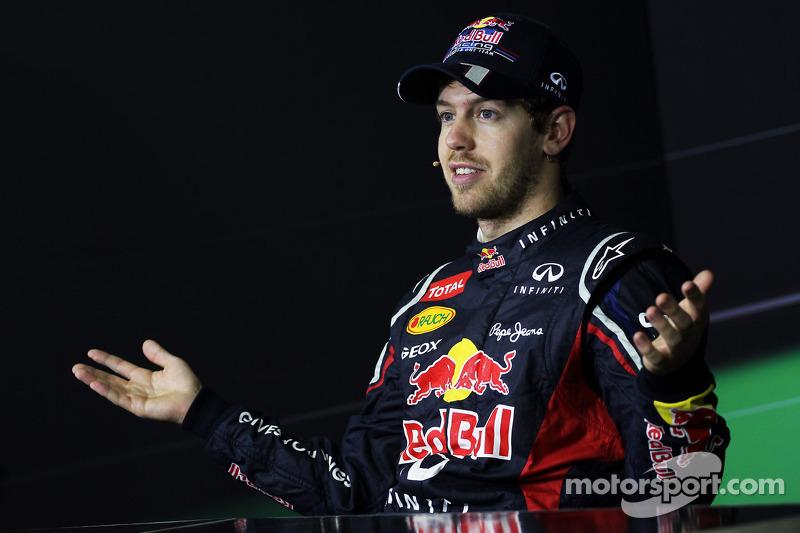 El campeón del mundo 2012, Sebastian Vettel, Red Bull Racing en la conferencia de prensa de la FIA