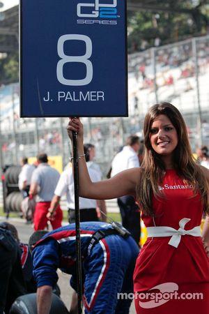 GP2 grid girl