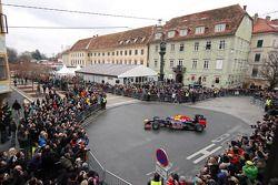 Sebastian Vettel, Red Bull Racing kutlama yapıyor his Dünya Şampiyonası Graz, Austria