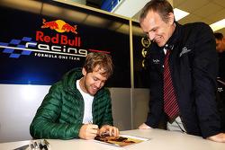 Себастьян Феттель. Празднования на базе Red Bull Racing, Особое мероприятие.
