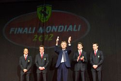 Luca di Montezemolo, con Jules Bianchi, Davide Rigon, Felipe Massa y Fernando Alonso en la Gala Ferr
