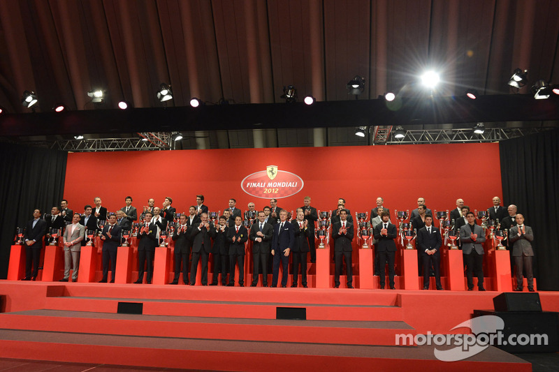 Ferrari rijders en VIPs op Ferrari Gala