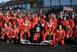 Fernando Alonso, Scuderia Ferrari with team members