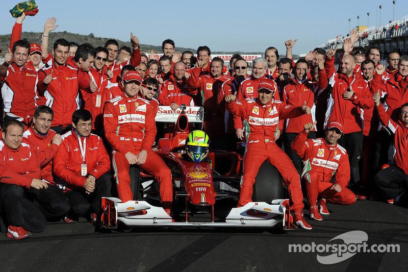 Felipe Massa, Scuderia Ferrari with team members