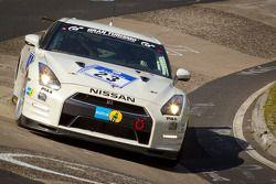 #23 Team Nissan GT-R Nissan GT-R: Toshio Suzuki, Tetsuya Tanaka, Kazuki Hoshino, Michael Krumm