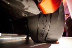 Pirelli-Reifen mit McLaren-Logo