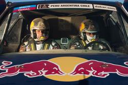 Карлос Сайнс и Тимо Готтшальк. Тесты Qatar Red Bull Rally, тесты.
