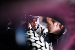 Карлос Сайнс и Нассер Аль-Аттия. Тесты Qatar Red Bull Rally, тесты.
