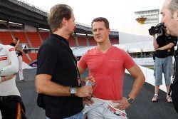 Fundador de ROC Fredrik Johnsson y Michael Schumacher