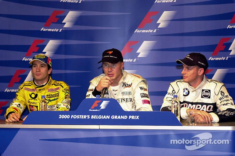 Conferencia de prensa post clasificación: pole posición Mika Hakkinen, segundo lugar Jarno Trulli, Jenson Button el tercer lugar