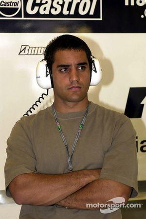 Juan Pablo Montoya en el garaje de Williams