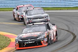 Kyle Busch, Joe Gibbs Racing Toyota, Brandon Jones, Richard Childress Racing Chevrolet, Dylan Lupton, JGL Racing Toyota