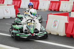 David Coulthard en karting face au footballeur Christian Karembeu