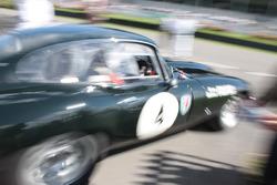 1962 Jaguar E-type FHC, Marc Devis - Martin O'Connell