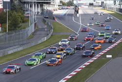 Partenza: #5 Belgian Audi Club Team WRT Audi R8 LMS: Marcel Fassler, Dries Vanthoor al comando