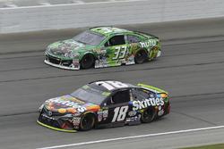 Kyle Busch, Joe Gibbs Racing Toyota, Jeffrey Earnhardt, Circle Sport – The Motorsports Group Chevrolet