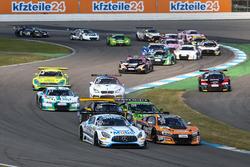 Start zum Rennen, #20 Mercedes-AMG Team Zakspeed, Mercedes-AMG GT3: Nikolaj Rogivue, Nicolai Sylvest, #24 BWT Mücke Motorsport, Audi R8 LMS: Filip Salaquarda, Markus Winkelhock