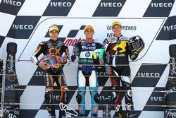 Podio: segundo lugar Marc Márquez, ganador de la carrera Pol Espargaró, tercer lugar Scott Redding