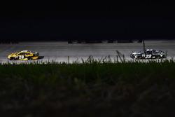 Matt Kenseth, Joe Gibbs Racing Toyota and Corey LaJoie, BK Racing Toyota
