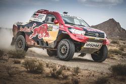 №300 Toyota Hilux: Нассер Аль-Аттия и Матье Бомель