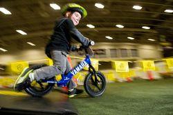 Rhys Rooney, 3 anos, de Fisherville, no curso de Stryder Bike