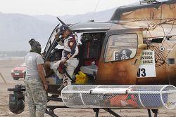 Carlos Sainz abandona el Dakar