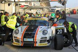 #20 Gulf Racing Middle East Aston Martin Vantage: John Iossifidis, Frederic Fatien, Martin Baerschmi