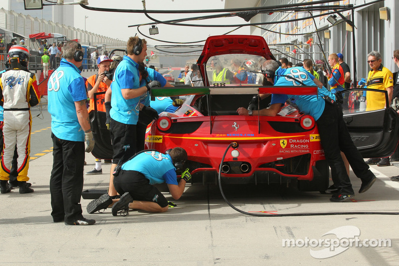 88 Dragon Racing Ferrari 458 Italia Gt3 Leon Price Rob