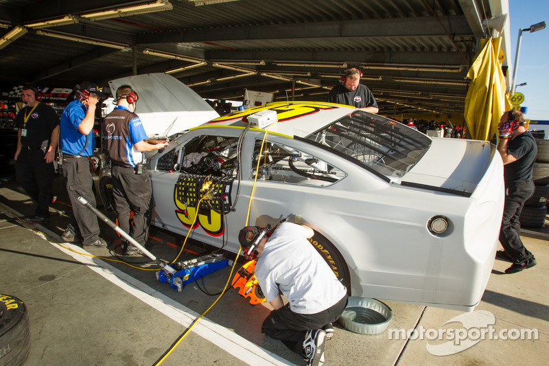 De auto van Scott Speed, Leavine Family Racing Ford