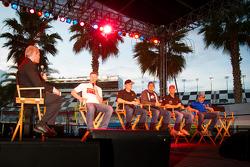 Foro del Aficionado: Dale Earnhardt Jr., Hendrick Motorsports Chevrolet, Regan Smith, Phoenix Racing
