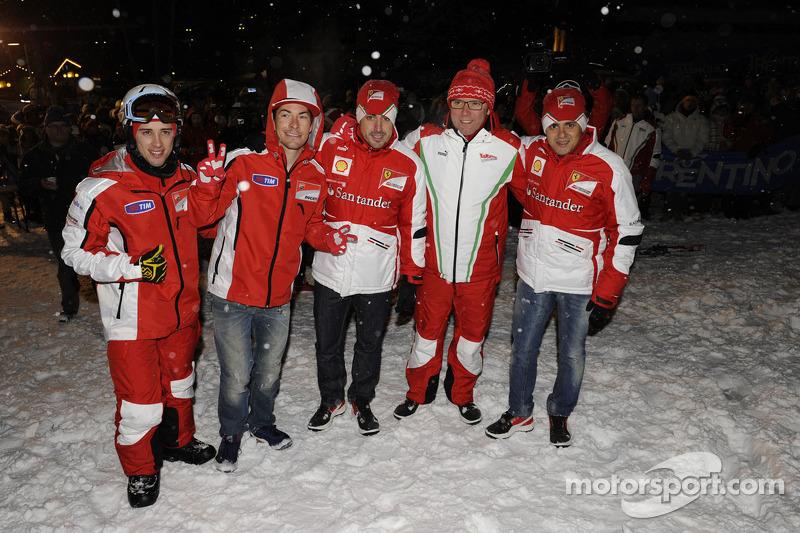 Andrea Dovizioso en Nicky Hayden, Ducati Marlboro Team, Fernando Alonso en Felipe Massa, Scuderia Fe