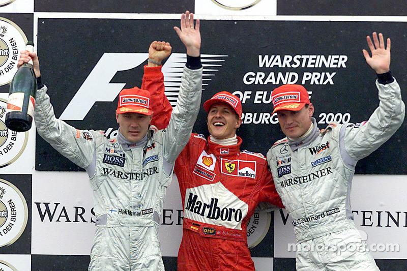 Podium: Sieger Michael Schumacher, 2. Mika Häkkinen, 3. David Coulthard
