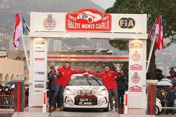 pódio: R3 vencedores Andrea Crugnola e Michele Ferrara, Citroën DS3 R3