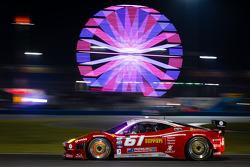#61 R.Ferri/AIM Motorsport Racing met Ferrari Ferrari 458: Max Papis, Jeff Segal, Toni Vilander, Gia