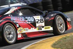 #28 Ferrari of Beverly Hills Ferrari 458: Jon Becker travando os pneus