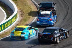 #140 Automatic Racing Aston Martin Vantage: Tim Fox, Kris Wilson en #6 Mitchum Motorsports Camaro GS